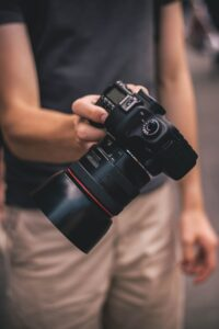 Freelance professional photographers see increased earnings